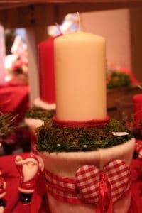 Schöne Adventsfloristik mit Wollvlies
