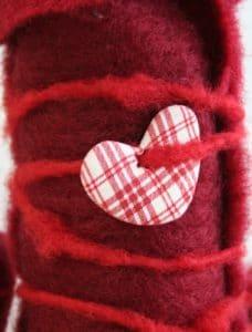 Deko und Geschenkverpackung aus Wollvlies und Wollkordel