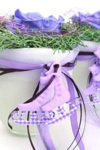 extravagante ausgestanzte Schlittschuhe in flieder