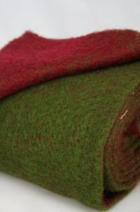 zweifarbiges Wollvlies 150mm breit, grün-bordeaux